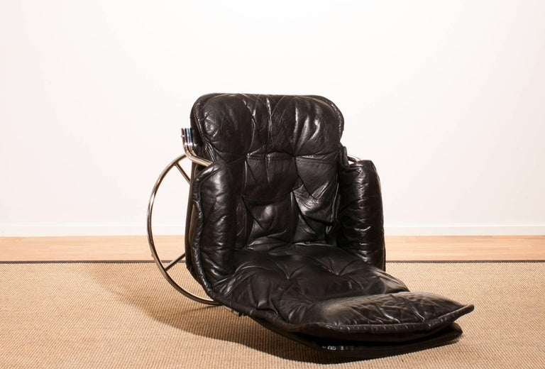 1970s Black Leather Swivel Chrome Steel Lounge Chair, Sweden For Sale 3