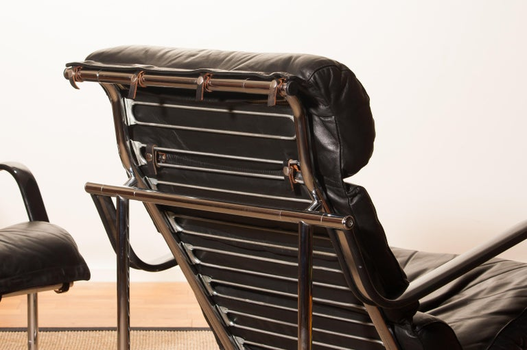 1970s, Set of Two Black Leather 'Remmie' Lounge Chairs, Yrjö Kukkapuro, Finland In Good Condition For Sale In Silvolde, Gelderland
