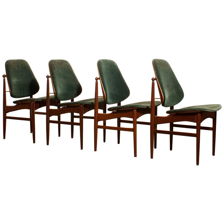1950s, Set of Four Teak Dining Chairs by Arne Vodder for France & Daverkosen For Sale