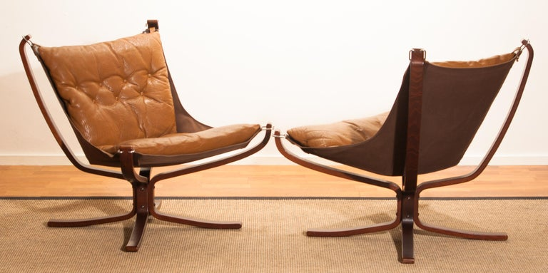 Norwegian Set Camel Leather 'Falcon' Lounge Chairs and Coffee Table by Sigurd Ressell For Sale
