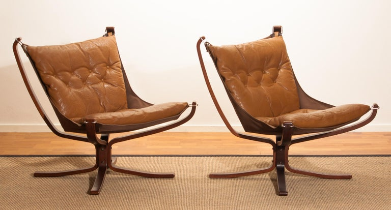 Late 20th Century Set Camel Leather 'Falcon' Lounge Chairs and Coffee Table by Sigurd Ressell For Sale