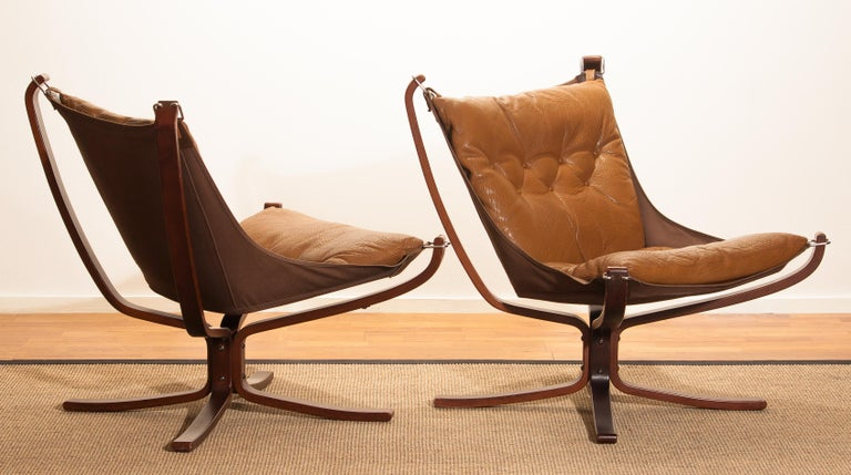 Set Camel Leather 'Falcon' Lounge Chairs and Coffee Table by Sigurd Ressell For Sale 1