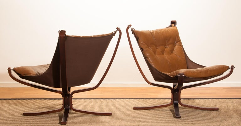 Set Camel Leather 'Falcon' Lounge Chairs and Coffee Table by Sigurd Ressell For Sale 2
