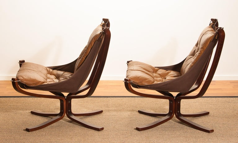 Set Camel Leather 'Falcon' Lounge Chairs and Coffee Table by Sigurd Ressell For Sale 4