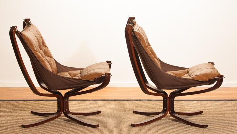Set Camel Leather 'Falcon' Lounge Chairs and Coffee Table by Sigurd Ressell For Sale 5