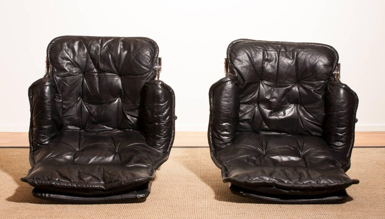 1970s, a Pair of Black Leather Swivel Chrome Steel Lounge Chairs , Sweden For Sale 4