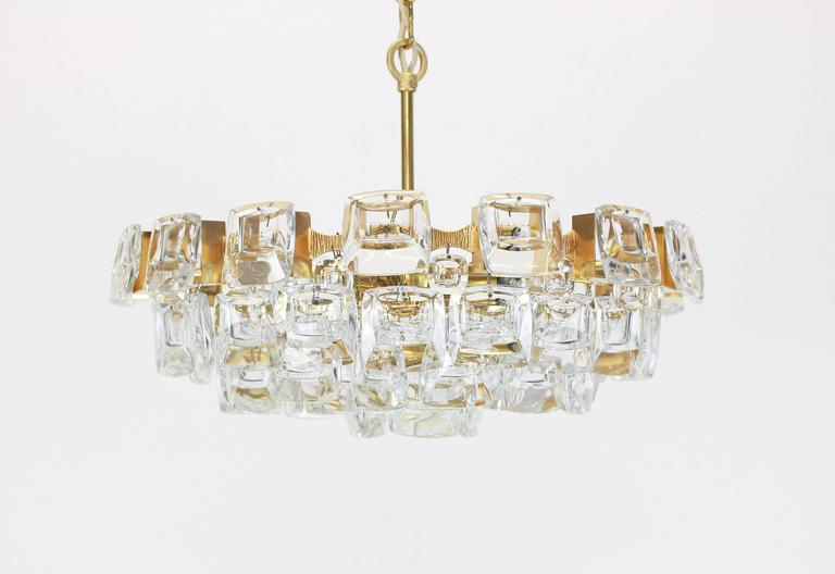Large Gilt Brass and Crystal Glass Chandelier by Palwa, Germany, 1960s In Excellent Condition For Sale In Aachen, DE