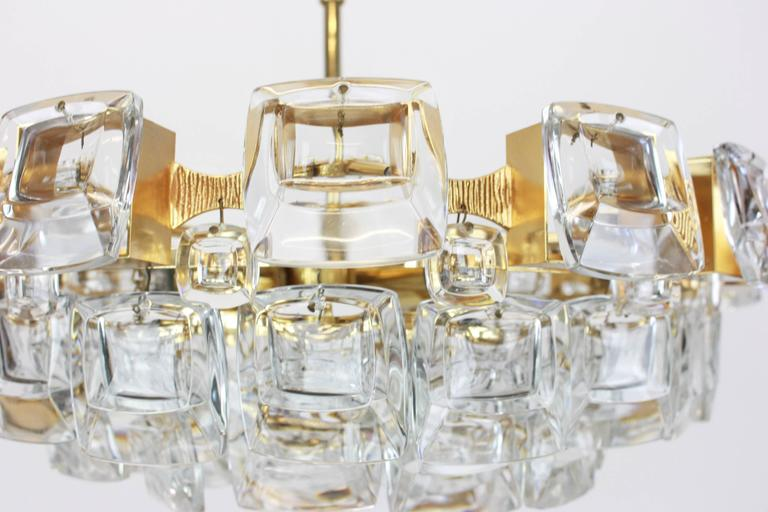 Mid-20th Century Large Gilt Brass and Crystal Glass Chandelier by Palwa, Germany, 1960s For Sale