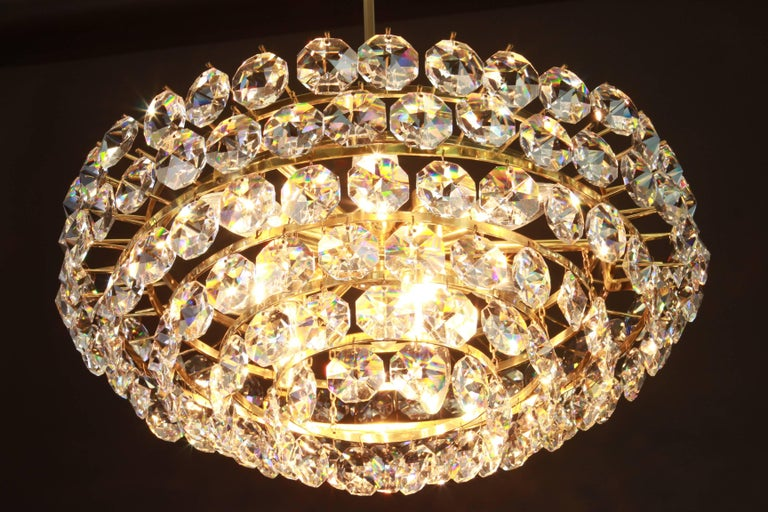 Bakalowits Chandelier, Brass and Crystal Glass, Austria, 1960s In Excellent Condition For Sale In Aachen, DE
