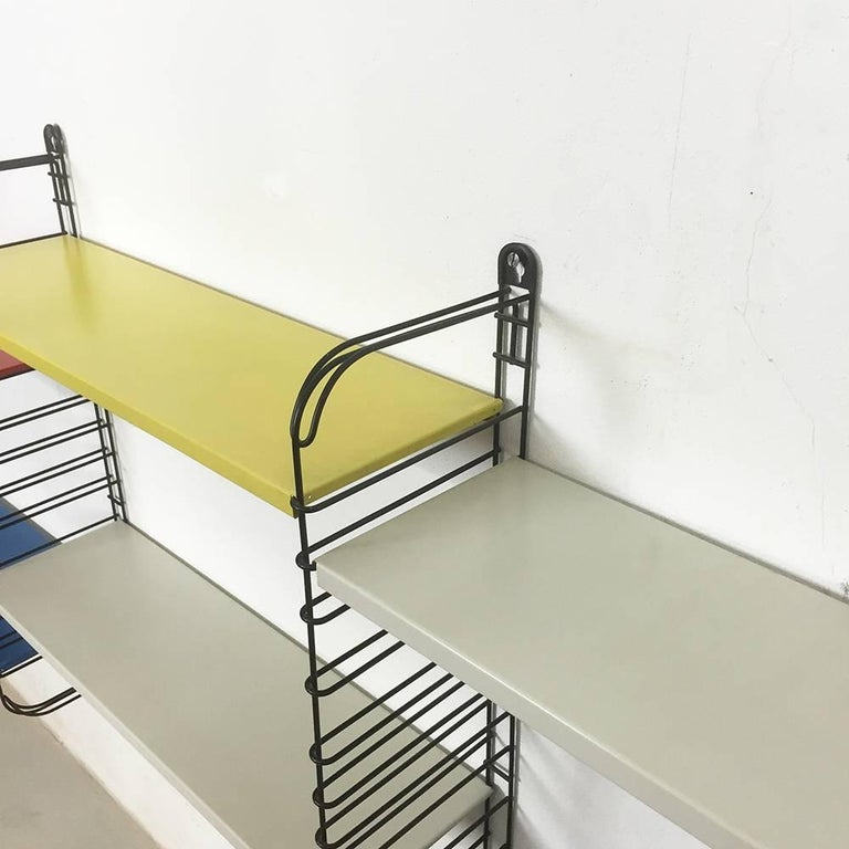 Original 1960s Multi-Color Metal Wall Unit by A. Dekker for Tomado, Holland In Good Condition For Sale In Kirchlengern, DE