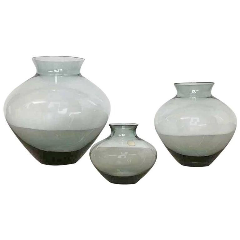 Vintage 1960er Jahre Set von Drei Herz Vasen Turmalingrün von Wilhelm Wagenfeld für WMF 1