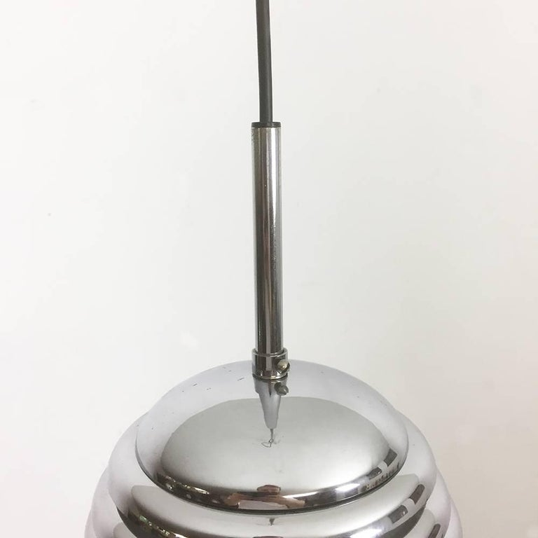 Original 1960s Chrome Hanging Light Design by Kazuo Motozawa for Staff, Germany In Good Condition For Sale In Kirchlengern, DE