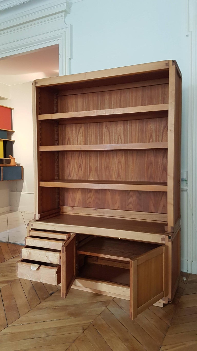 Mid-Century Modern Bookcase Cabinet De Pierre Chapo in French Elm from 1970 For Sale