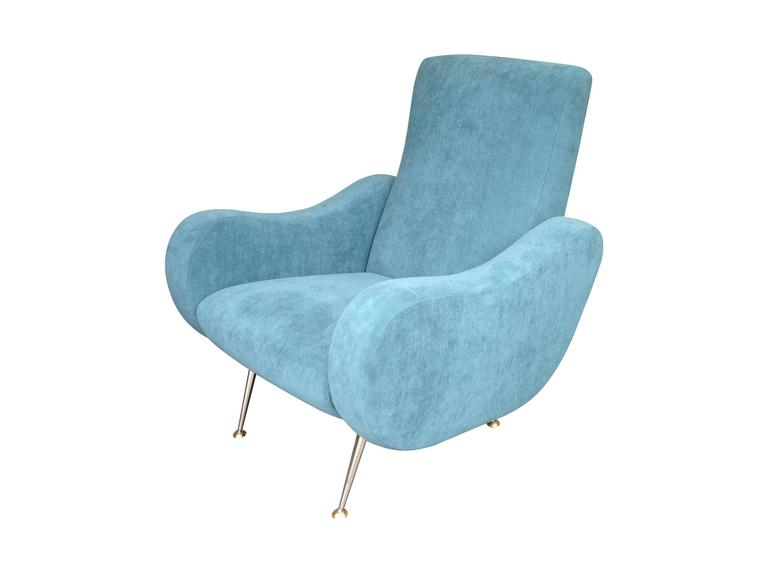 Mid-Century Modern Gio Ponti Style Italian Armchair For Sale