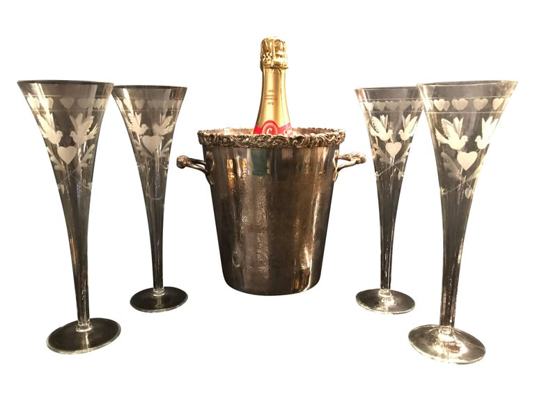 Mid-Century Modern Vintage French Engraved Champagne Flutes For Sale