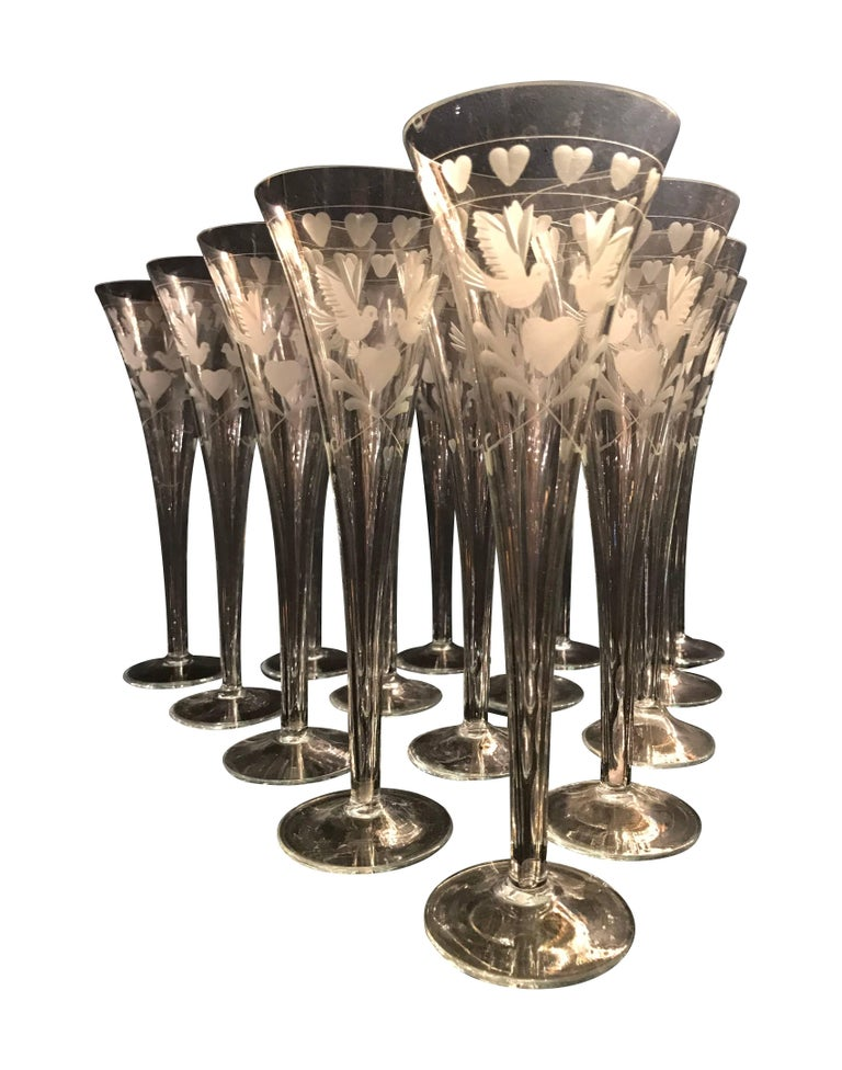 Vintage French Engraved Champagne Flutes In Good Condition For Sale In London, GB