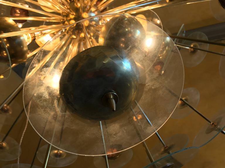 Mid-Century Modern Large Italian Brass & Transparent Glass Sputnik Chandelier For Sale 2