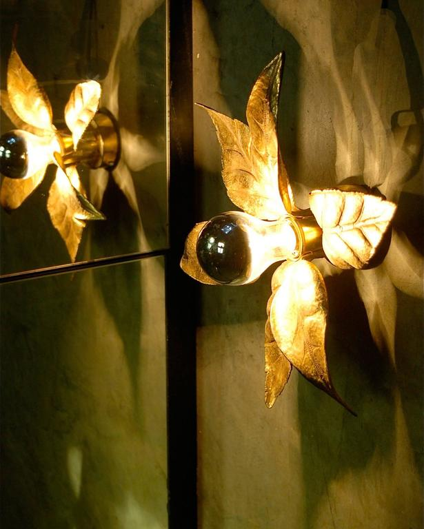 Brass Hollywood Regency style Leaf Shaped Wall Lights by Willy Daro, circa 1970s For Sale