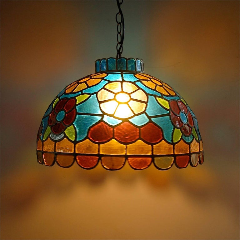 Handcrafted Tiffany Style Stained Glass Pendant Lamp, Late 20th Century, Germany For Sale 3