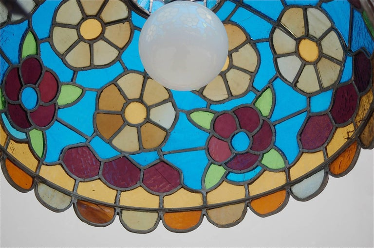 Handcrafted Tiffany Style Stained Glass Pendant Lamp, Late 20th Century, Germany For Sale 1