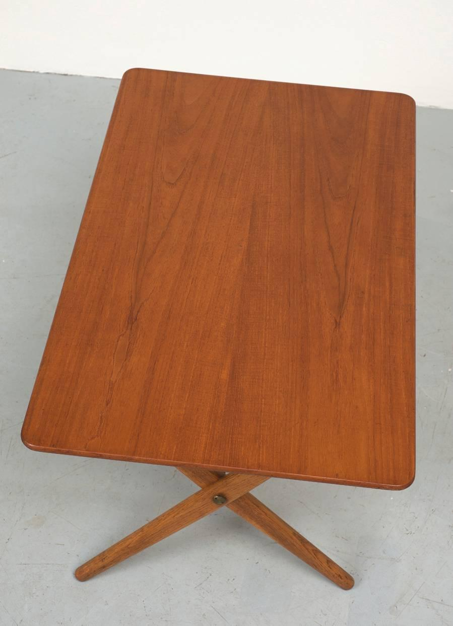 Hans Wegner At308 Table With Brass Stretchers For Sale At