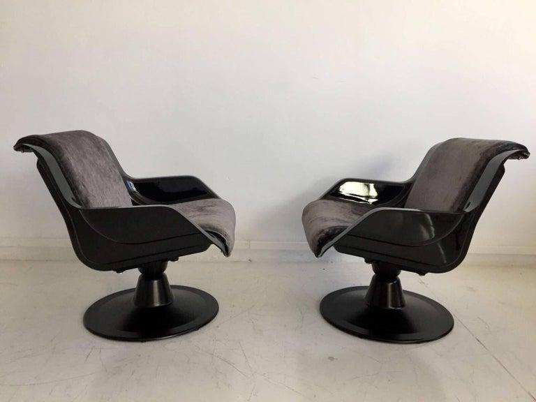 Mid-Century Modern 1960 Yrjo Kukkapuro Swivel Lounge Chairs, Model 3814-1KF Dark Grey Velvet For Sale