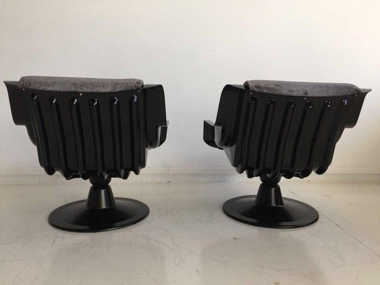 1960 Yrjo Kukkapuro Swivel Lounge Chairs, Model 3814-1KF Dark Grey Velvet In Excellent Condition For Sale In Madrid, ES