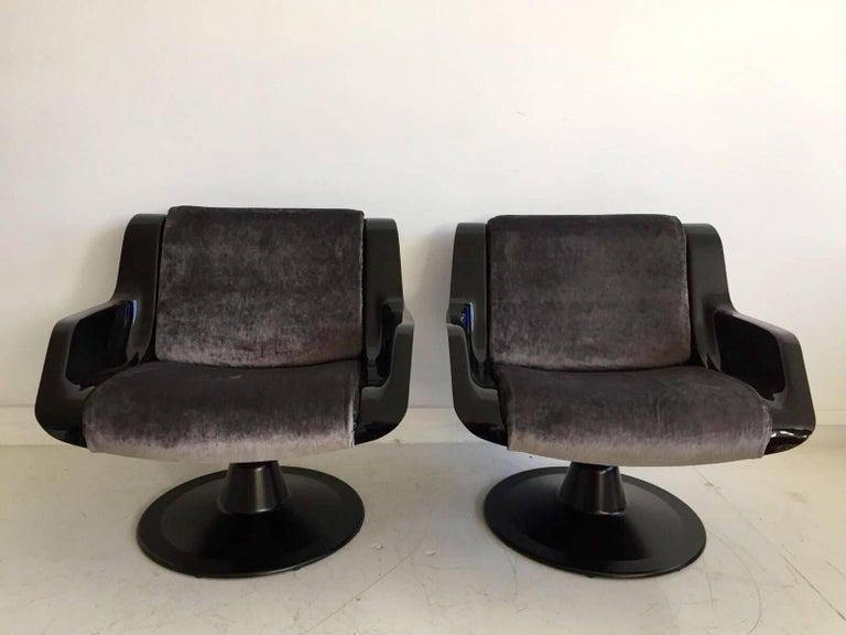 Aluminum 1960 Yrjo Kukkapuro Swivel Lounge Chairs, Model 3814-1KF Dark Grey Velvet For Sale