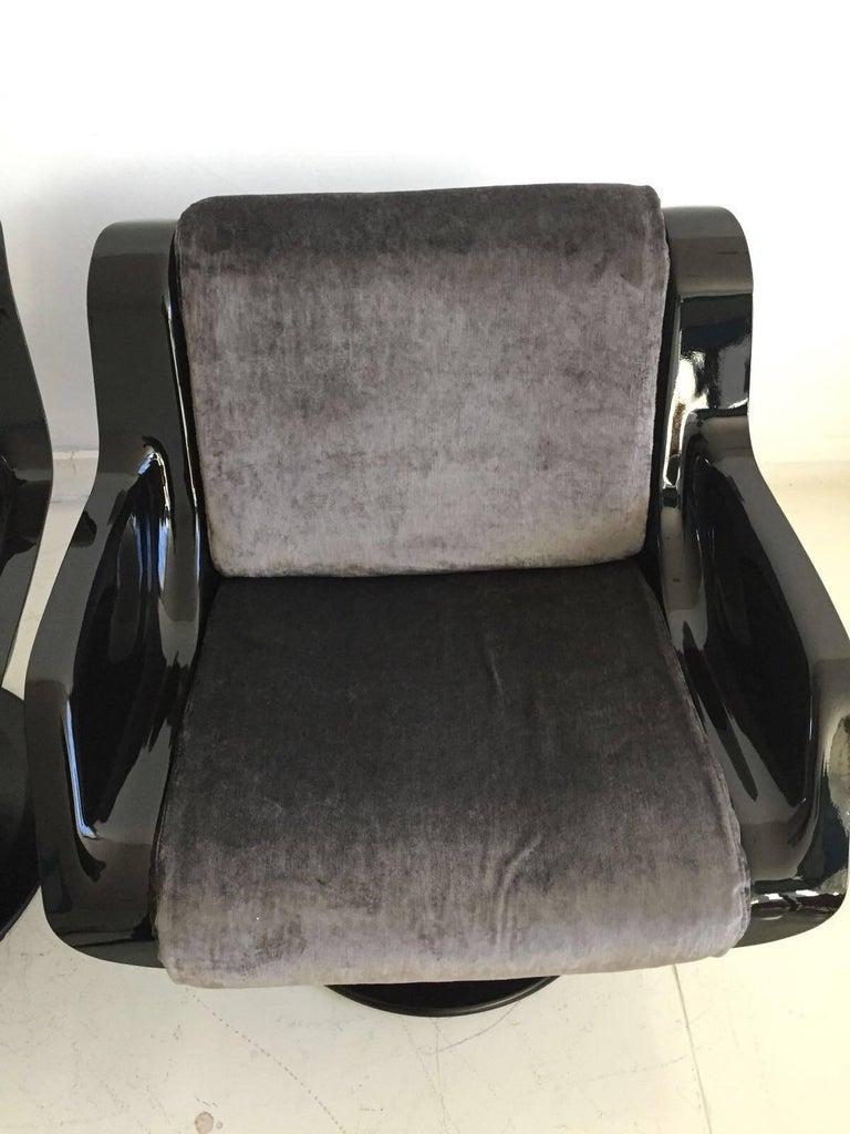 1960 Yrjo Kukkapuro Swivel Lounge Chairs, Model 3814-1KF Dark Grey Velvet For Sale 2