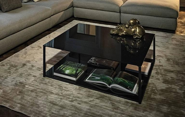 Contemporary Rectangular Coffee Table with Metal Frame and Smoked Glass Top In Good Condition For Sale In Madrid, ES
