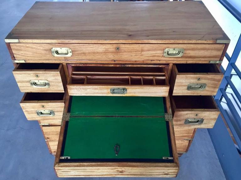 19th Century Camphorwood Campaign Chest with Brass Details In Good Condition For Sale In Madrid, ES