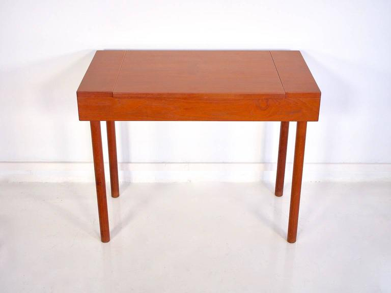 Mid-Century Modern Mid-Century Teak Dressing Table with Mirror For Sale