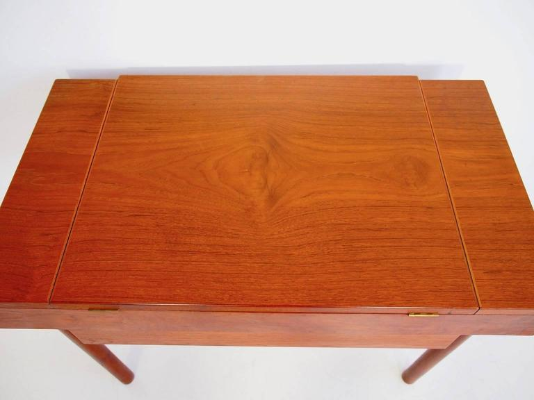 Mid-Century Teak Dressing Table with Mirror For Sale 2
