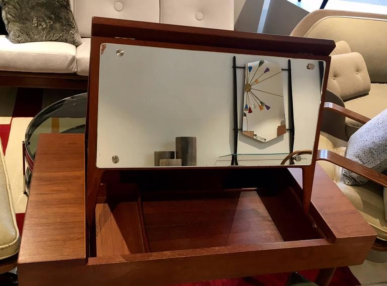 Mid-Century Teak Dressing Table with Mirror For Sale 4