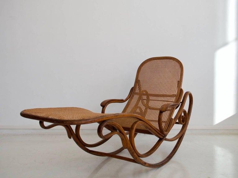 Thonet bentwood and rattan rocking chaise longue model for Cane chaise longue