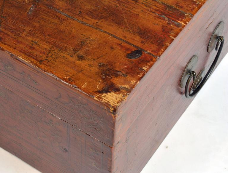 Large 19th Century Chinese Wood and Red Lacquer Storage Chest or Trunk In Good Condition For Sale In Ft. Lauderdale, FL