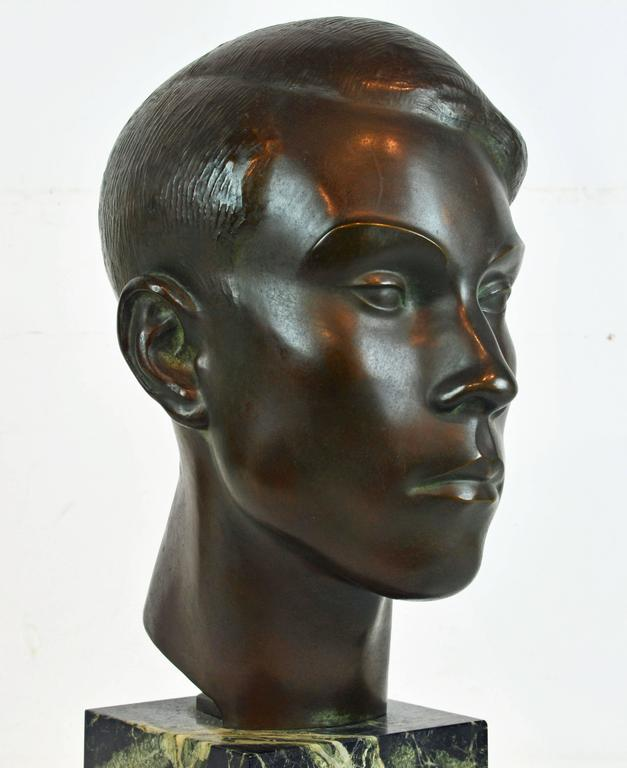Large Art Deco Bronze Bust of a Young Man by Henry Paquet, Swiss, 1898-1975 For Sale 2