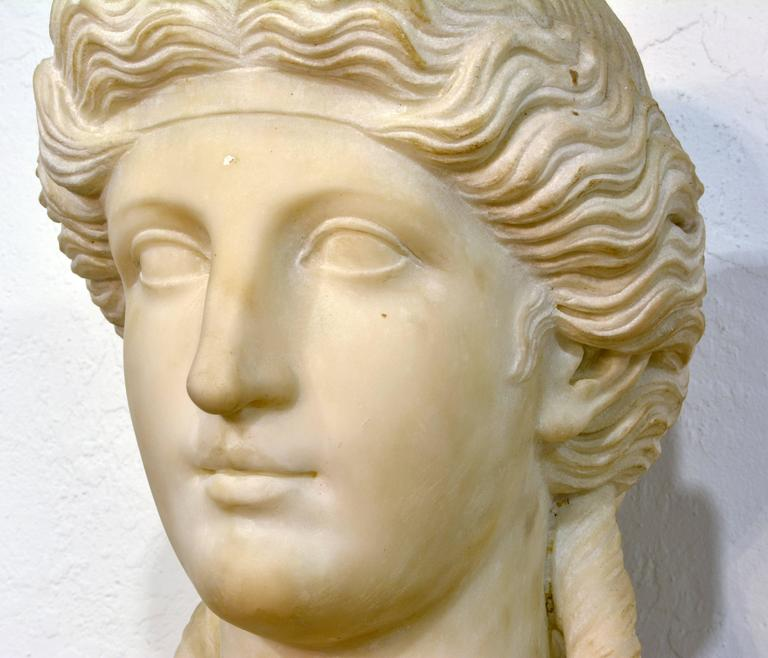 19th Century Italian Neoclassical Marble Bust of Nike on a Tall Marble Column In Good Condition For Sale In Ft. Lauderdale, FL