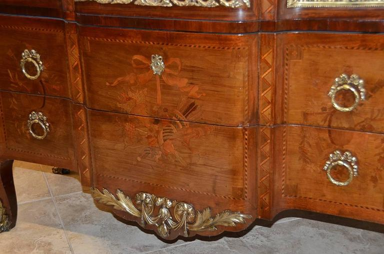 French Louis XV Style Marble-Top Bronze Mounted Commode, Late 19th Century For Sale 5