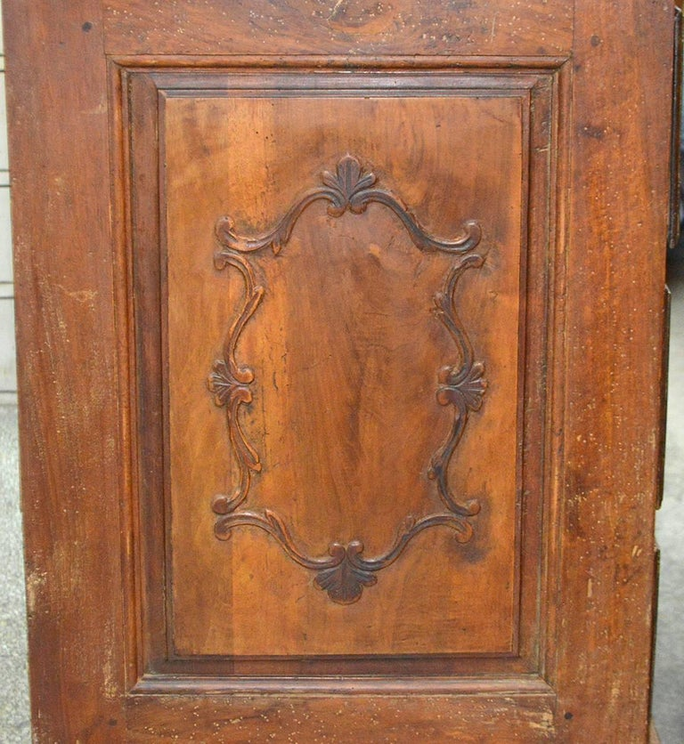 Large 18th Century Italian Carved Walnut Chest with Carved Side Panels For Sale 2