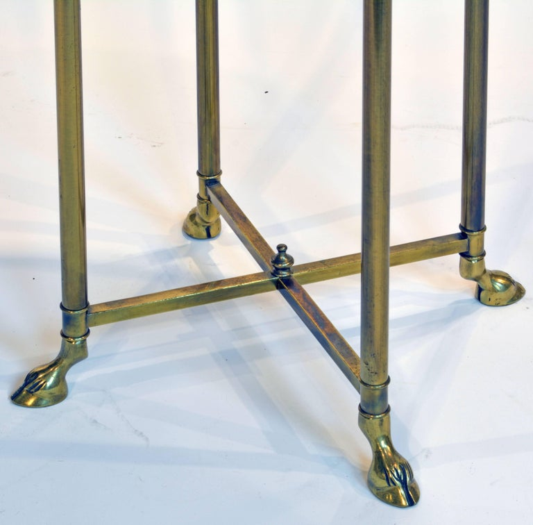 Elegant Maison Jansen Style Hollywood Regency Brass Plant Stand with Hoof Feet In Good Condition For Sale In Ft. Lauderdale, FL