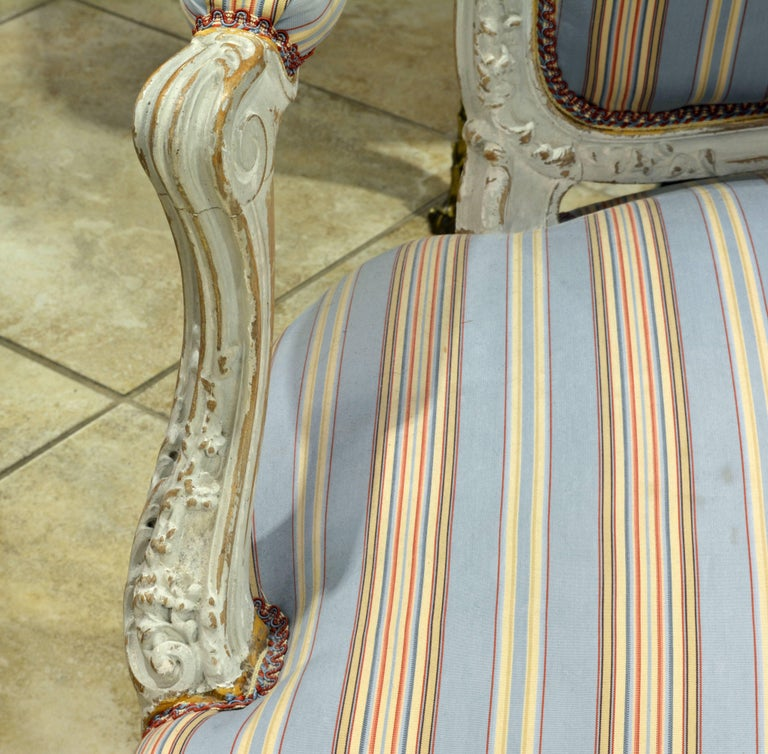 Pair of Charming Late 19th Century French Louis XV Style Painted Open Armchairs In Good Condition For Sale In Ft. Lauderdale, FL