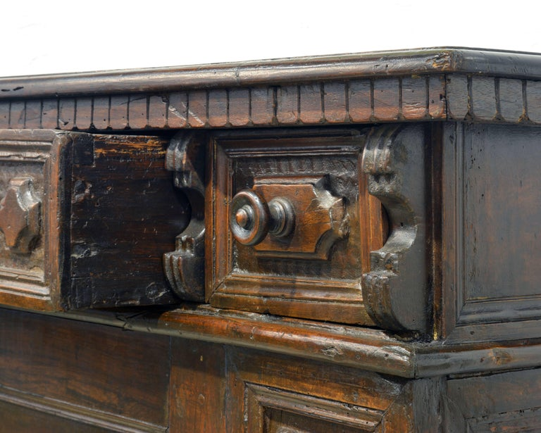 17th Century Richly Carved Italian Baroque Walnut Credenza or Buffet In Good Condition For Sale In Ft. Lauderdale, FL