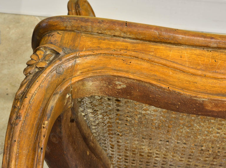 Late 18th Century Provincial Louis XV Style Carved and Caned Walnut Settee For Sale 5
