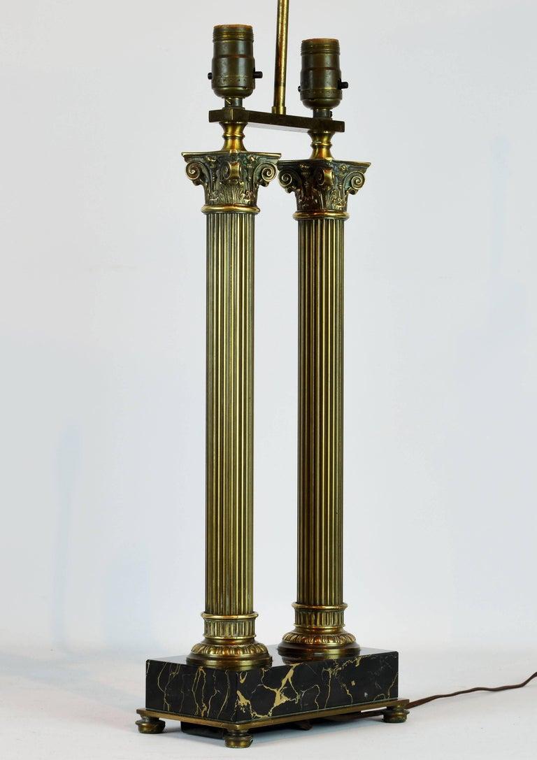 Distinguished Bronze and Marble Twin Corinthian Columns Gentleman's Desk Lamp 7