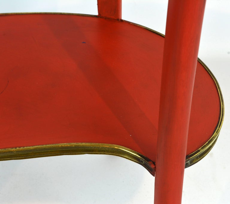 Charming French Provincial Painted and Bronze-Mounted Kidney Shape Accent Table For Sale 4