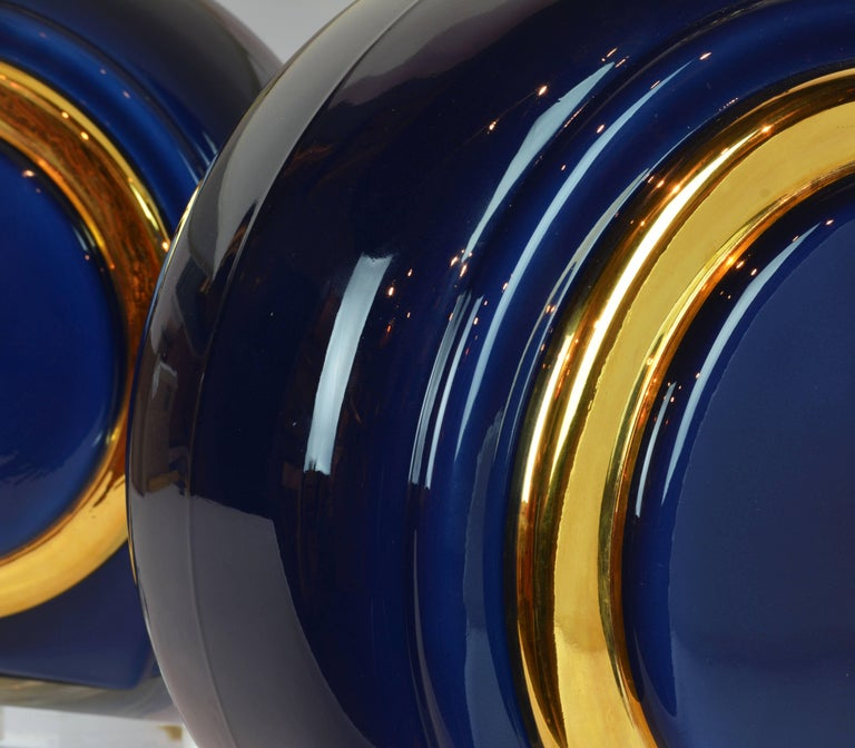 Pair of Classy Mid-Century Modern Cobalt Blue and Gilt Glass Lamps, Lucite Bases For Sale 3