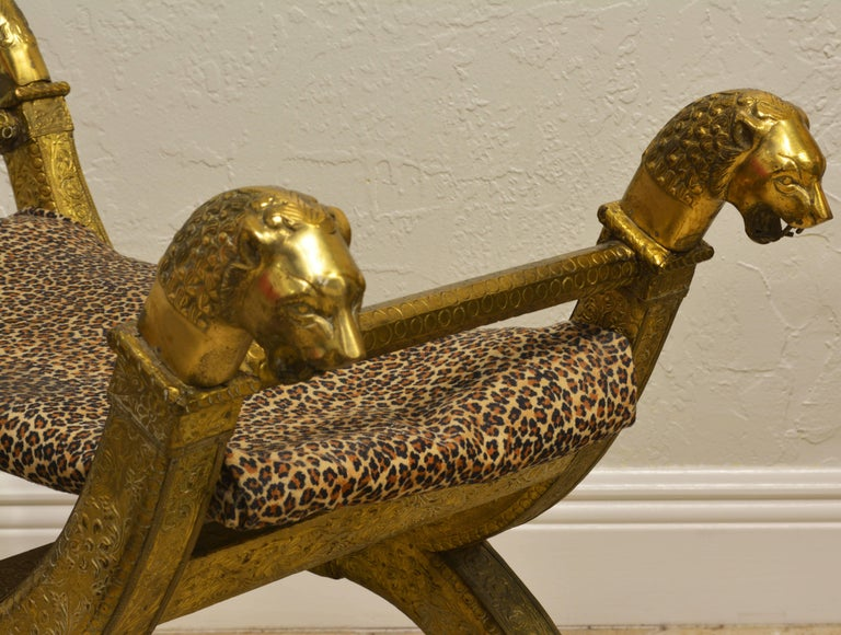 Anglo-Indian Brass Repousse Clad Lion's Head and Paw Feet Curule Bench or Stool In Good Condition For Sale In Ft. Lauderdale, FL