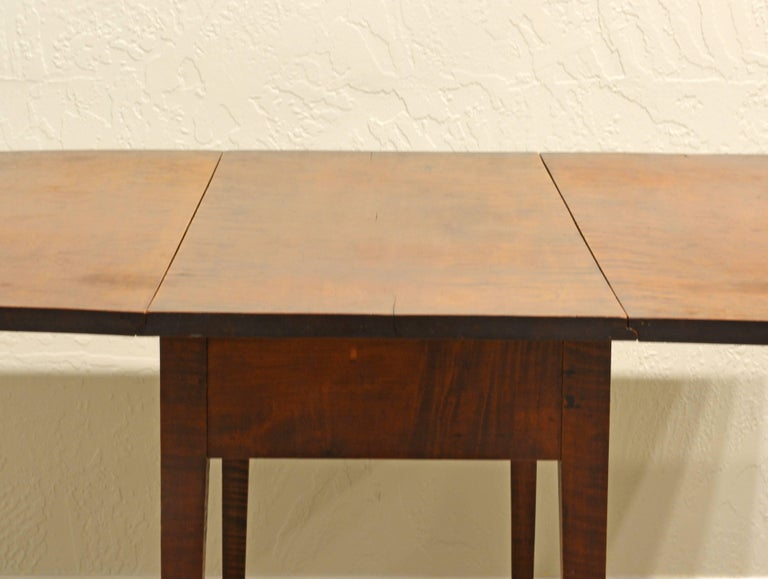 Birdseye Maple Superior American New England Federal Tiger Maple Drop-Leaf Table, Americana For Sale