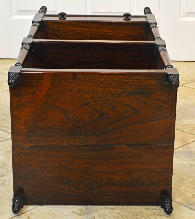 Attractive 19th Century English Rosewood Three-Tier and One Drawer Étagère For Sale 5